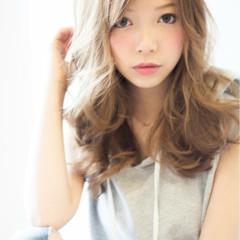 アッシュ 外国人風 セミロング パーマ ヘアスタイルや髪型の写真・画像