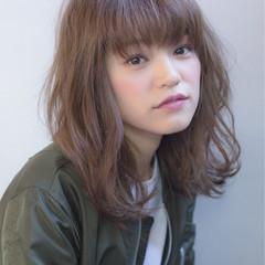 ストリート ゆるふわ 外国人風 グレージュ ヘアスタイルや髪型の写真・画像
