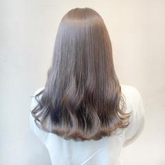 セミロング オリーブアッシュ ナチュラル インナーカラー ヘアスタイルや髪型の写真・画像