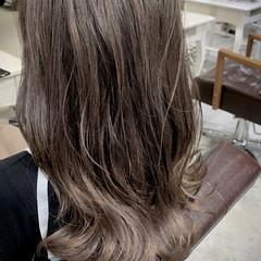 セミロング グラデーションカラー バレイヤージュ ナチュラルグラデーション ヘアスタイルや髪型の写真・画像