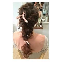 セミロング セルフヘアアレンジ フェミニン ヘアアレンジ ヘアスタイルや髪型の写真・画像