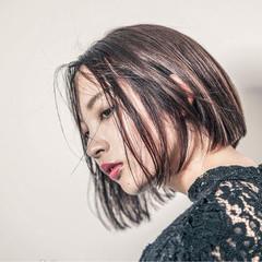 リラックス 黒髪 モード インナーカラー ヘアスタイルや髪型の写真・画像