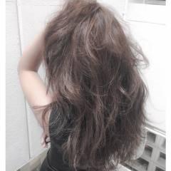 ウェットヘア ロング ストリート コンサバ ヘアスタイルや髪型の写真・画像