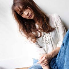 大人女子 ハイライト ナチュラル 小顔 ヘアスタイルや髪型の写真・画像