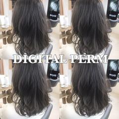 フェミニン ミディアム ゆるふわ パーマ ヘアスタイルや髪型の写真・画像