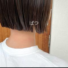 ナチュラル ミディアム 切りっぱなしボブ ミニボブ ヘアスタイルや髪型の写真・画像