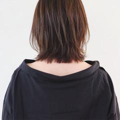 グレージュ ヌーディベージュ ボブ 切りっぱなしボブ ヘアスタイルや髪型の写真・画像