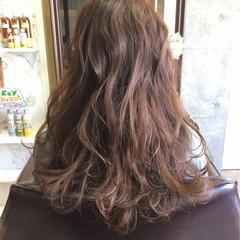 ブラウン セミロング ハイライト ナチュラル ヘアスタイルや髪型の写真・画像