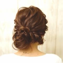 ヘアアレンジ 波ウェーブ 大人かわいい ガーリー ヘアスタイルや髪型の写真・画像