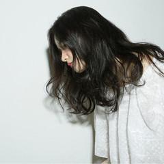 フェミニン 外国人風 ゆるふわ パーマ ヘアスタイルや髪型の写真・画像