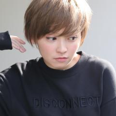 アンニュイほつれヘア アウトドア ヘアアレンジ スポーツ ヘアスタイルや髪型の写真・画像