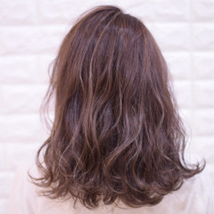 アンニュイほつれヘア 簡単ヘアアレンジ フェミニン デート ヘアスタイルや髪型の写真・画像