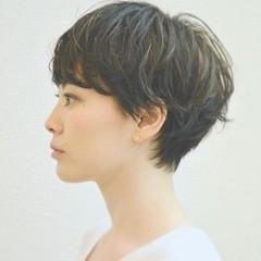 ナチュラル 大人かわいい レザーカット ショート ヘアスタイルや髪型の写真・画像