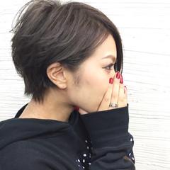ハイライト 外国人風 アッシュ 黒髪 ヘアスタイルや髪型の写真・画像