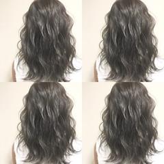 セミロング ストリート 波ウェーブ 暗髪 ヘアスタイルや髪型の写真・画像