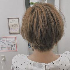 ショート ナチュラル くせ毛風 大人かわいい ヘアスタイルや髪型の写真・画像