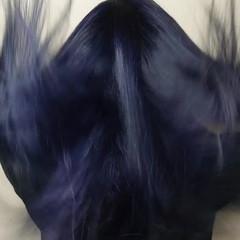 ネイビーブルー サラサラ ロング ツヤ髪 ヘアスタイルや髪型の写真・画像