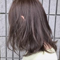 ミディアム ナチュラル バレイヤージュ 外国人風カラー ヘアスタイルや髪型の写真・画像