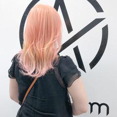 ブリーチカラー ホワイトブリーチ ブリーチ セミロング ヘアスタイルや髪型の写真・画像
