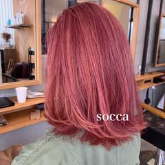 ミディアム ピンクベージュ ピンクラベンダー ブリーチカラー ヘアスタイルや髪型の写真・画像