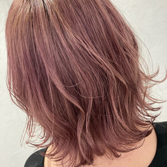 切りっぱなしボブ ピンクラベンダー フェミニン ボブ ヘアスタイルや髪型の写真・画像