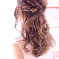 ガーリー 簡単ヘアアレンジ ミディアム ナチュラル ヘアスタイルや髪型の写真・画像