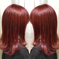 レッド ブリーチ ミディアム 個性的 ヘアスタイルや髪型の写真・画像