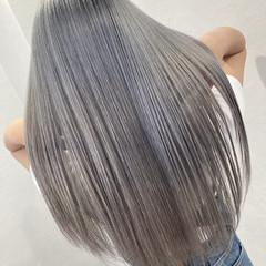アッシュグレー ロング 髪質改善トリートメント エレガント ヘアスタイルや髪型の写真・画像