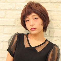 小顔 ピンク モテ髪 ショート ヘアスタイルや髪型の写真・画像
