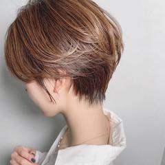 ナチュラル 極細ハイライト ショート 大人ハイライト ヘアスタイルや髪型の写真・画像