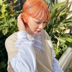 切りっぱなしボブ デザインカラー ストリート オレンジカラー ヘアスタイルや髪型の写真・画像