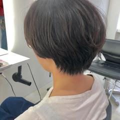 ショート ベリーショート 艶カラー ベージュ ヘアスタイルや髪型の写真・画像