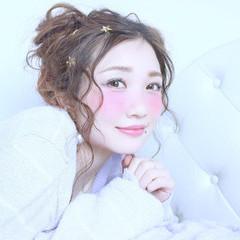 フェミニン おフェロ 簡単ヘアアレンジ ショート ヘアスタイルや髪型の写真・画像