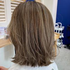 アンニュイほつれヘア ハイライト 似合わせカット グレージュ ヘアスタイルや髪型の写真・画像