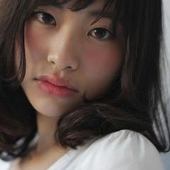 暗髪 大人かわいい ガーリー ミディアム ヘアスタイルや髪型の写真・画像
