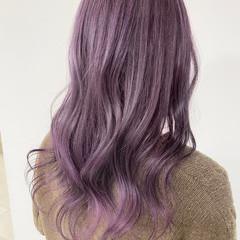 ロング フェミニン ピンクベージュ グラデーションカラー ヘアスタイルや髪型の写真・画像