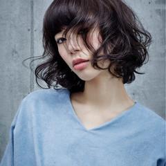 アンニュイ ボブ イルミナカラー パーマ ヘアスタイルや髪型の写真・画像