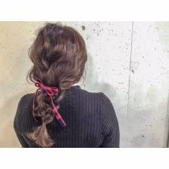 ストリート センターパート アップスタイル ヘアアレンジ ヘアスタイルや髪型の写真・画像