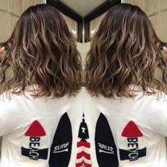 グレージュ モード 外国人風カラー 切りっぱなしボブ ヘアスタイルや髪型の写真・画像