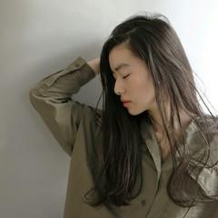 外国人風 黒髪 かき上げ前髪 ストリート ヘアスタイルや髪型の写真・画像