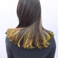 セミロング グラデーションカラー モード ミルクティー ヘアスタイルや髪型の写真・画像