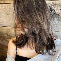コンサバ ウルフカット 3Dハイライト ミディアム ヘアスタイルや髪型の写真・画像