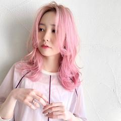 セミロング 韓国 センターパート ブリーチ ヘアスタイルや髪型の写真・画像