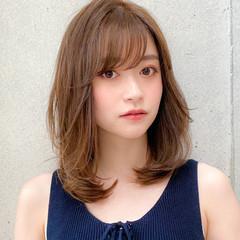 ミディアム コンサバ ミディアムレイヤー レイヤー ヘアスタイルや髪型の写真・画像