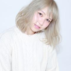 ホワイト ゆるふわ 外国人風 ベージュ ヘアスタイルや髪型の写真・画像