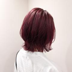 ストリート ミディアム レッドカラー ダブルカラー ヘアスタイルや髪型の写真・画像