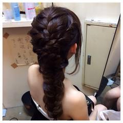編み込み フィッシュボーン ヘアアレンジ ねじり ヘアスタイルや髪型の写真・画像