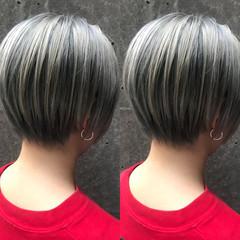 ブリーチ ショート アッシュ ショートボブ ヘアスタイルや髪型の写真・画像