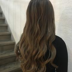 フェミニン ロング ブリーチ バレイヤージュ ヘアスタイルや髪型の写真・画像