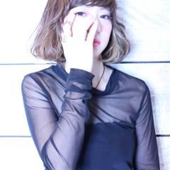 暗髪 ストレート ウェットヘア ストリート ヘアスタイルや髪型の写真・画像
